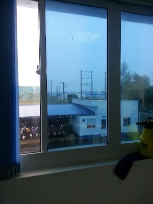 giấy-dán-kính-chống-nắng-tại-tphcm