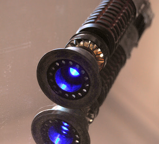 collection n°104 - shinra  - p55 COFFRET STAR WARS FRAMES - Page 30 Obiwan%2520lightsaber%2520ANH%25209