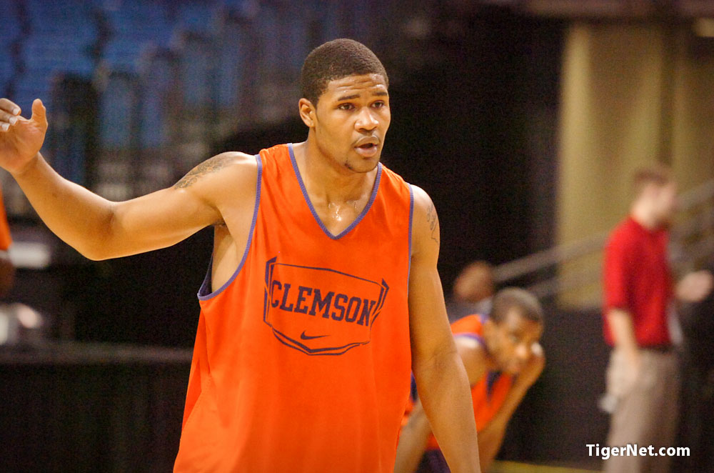 NCAA Shoot Around Photos - 2011, Basketball, Devin Booker