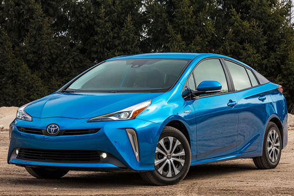 angular-front-of-a-blue-Toyota-Prius