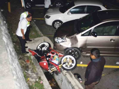 Anggota polis trafik maut dirempuh van
