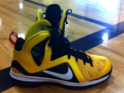 nike lebron 9 ps elite mazie black white 2 01 Preview of Upcoming Nike LeBron 9 P.S. Elite Varsity Maize