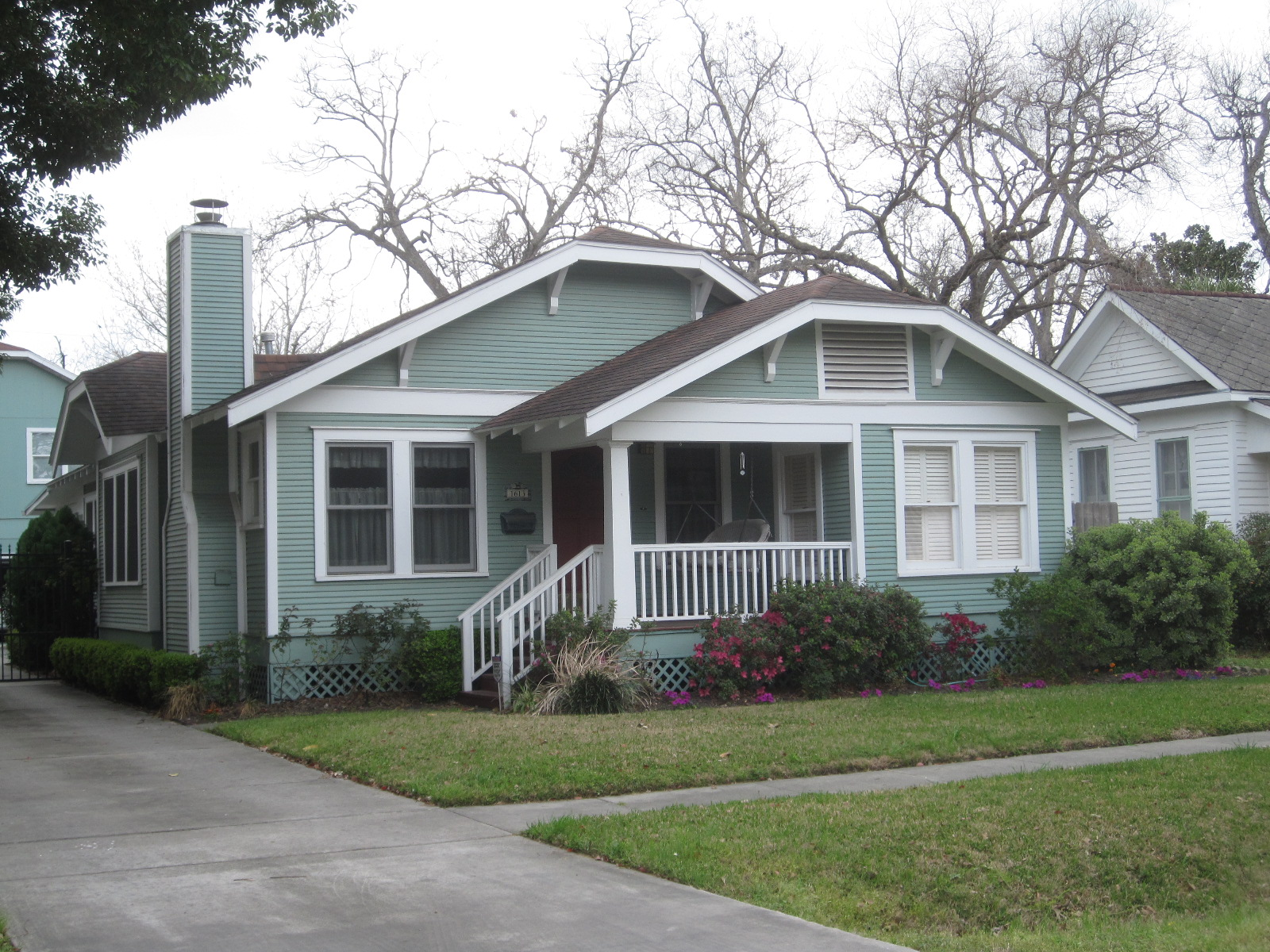 The OtHeR HoUsToN: BUNGALOW COLORS