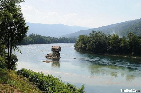 thơ tình viết về con sông quê hương