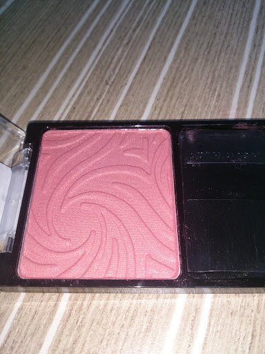 WET N WILD  PEARLESCENT PINK ALLIK