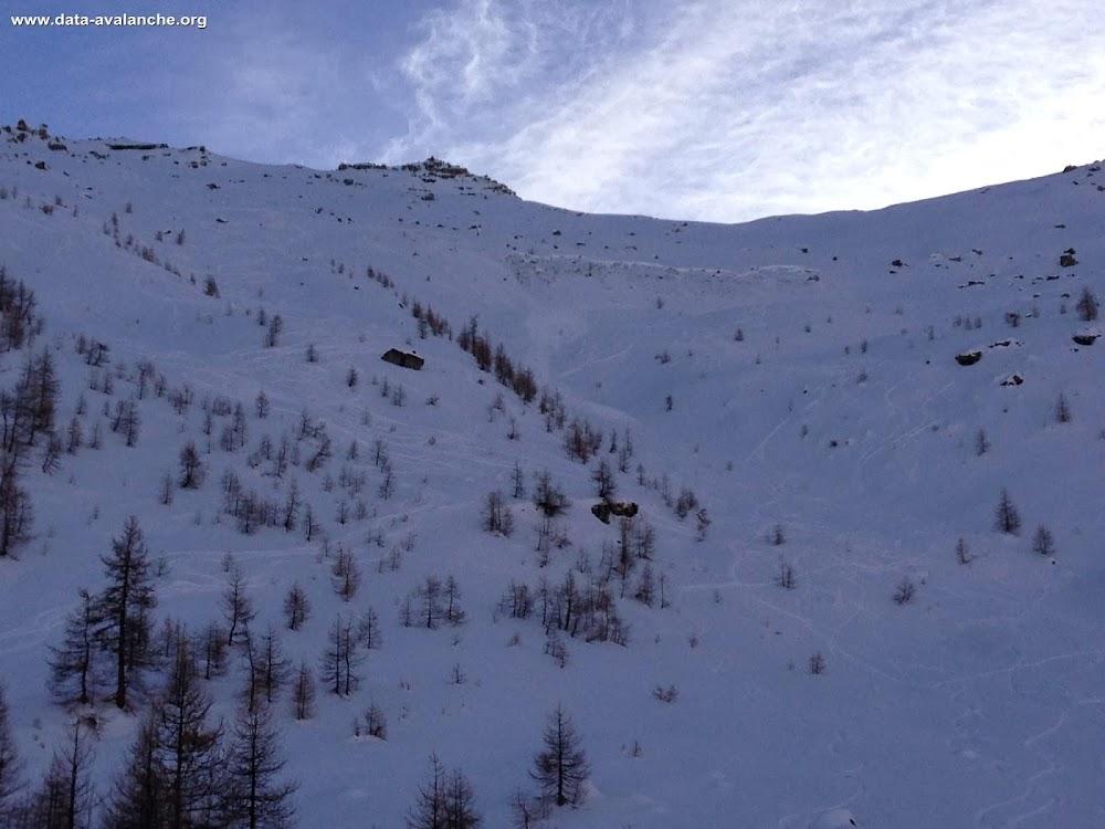 Avalanche Ecrins, secteur col du Bal, A proximité de la station de Puy St Vincent - Photo 1