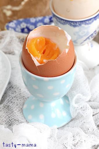 фото где сильно но нежно сжимают яйца