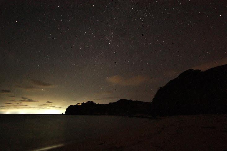 壱岐の砂浜の流れ星