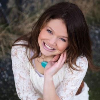 Stephanie Roper Photo 22