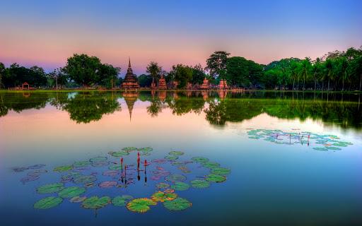 Wat Mahathat ruins, Sukhothai Historical Park (UNESCO World Heritage Site), Thailand