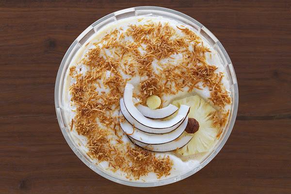 Sobremesa Gelada de Abacaxi com Coco Queimado