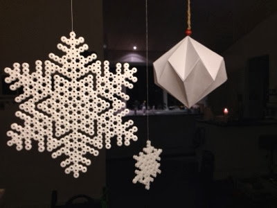 hama perler beads snow flakes