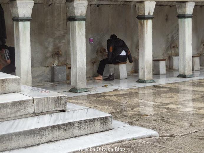 mycie nóg przez wiernych