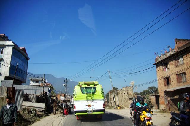 達人帶路-環遊世界-尼泊爾PoonHill健行-巴士
