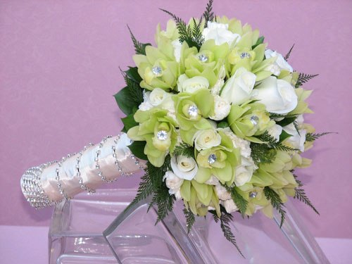 Kết quả hình ảnh cho hoa cầm tay cô dâu đẹp