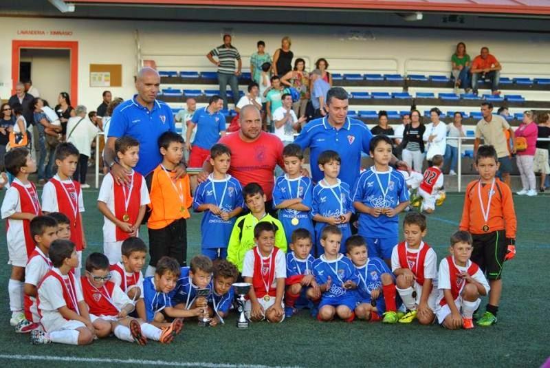 Prebenxamíns, campións e subcampións do Torneo de Verán da S.D. O Val.