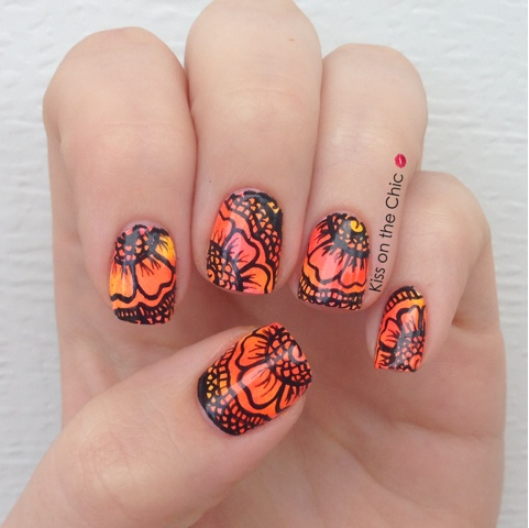 Henna Tattoo Nail Art