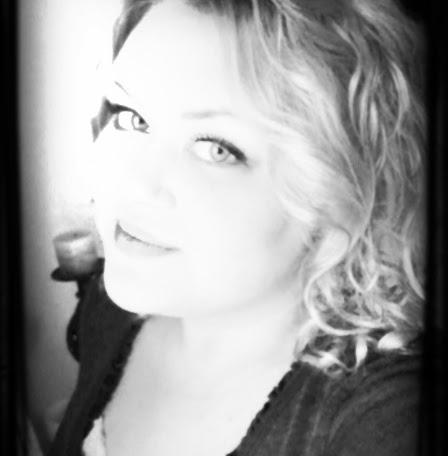 Caroline Lapierre Photo 8
