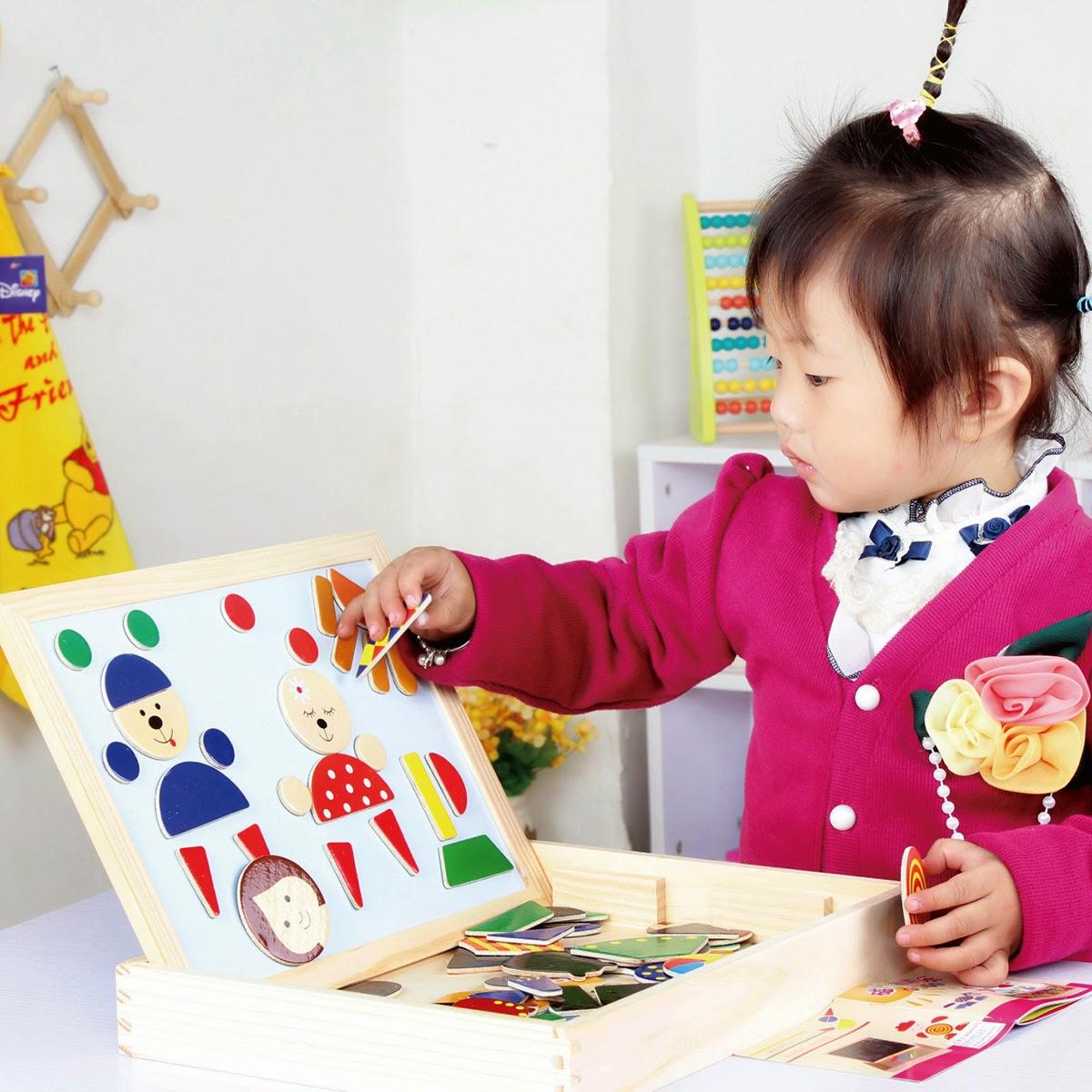 lựa chọn quà tặng phù hợp cho trẻ 2 tuổi