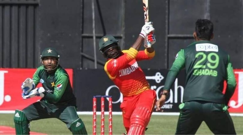 Zimbabwean and Pakistani players in action