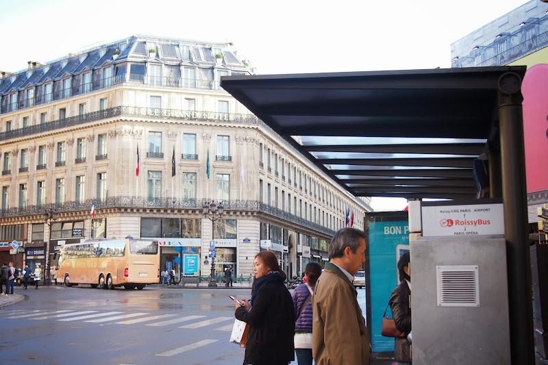 ロワシーバスでパリ市内からシャルル・ド・ゴール空港への移動