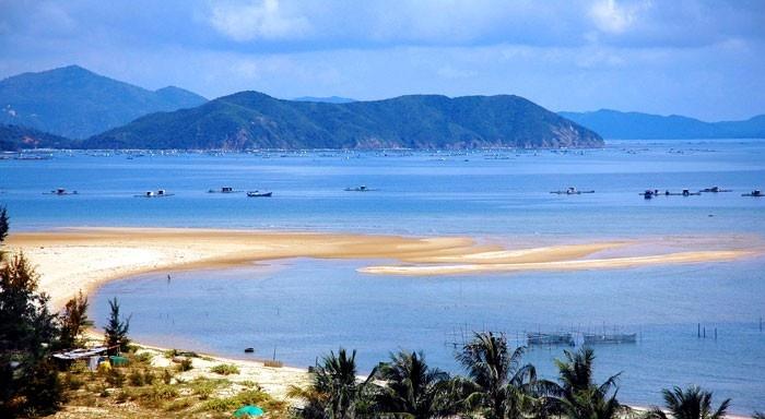 Biển Cửa Lò rất đẹp và nổi tiếng về Du lịch