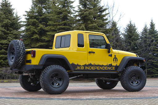 2012 jeep wrangler sahara 4 door