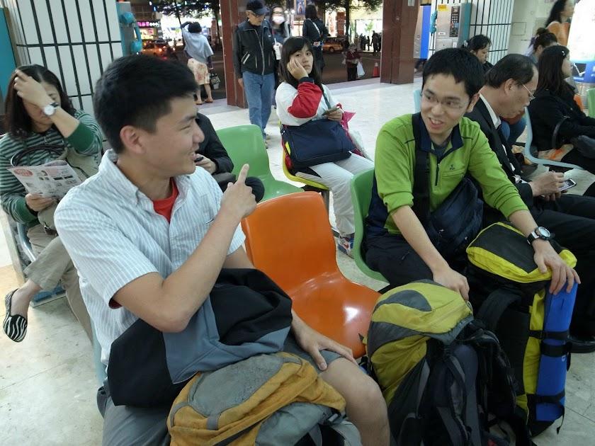 いっしょに台湾で沢登りする台湾人