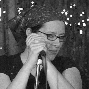 Amanda Tucker Photo 35