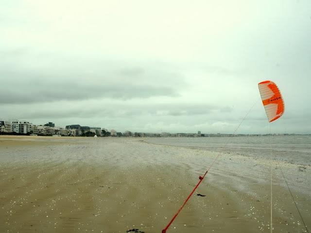 Le mauvais temps c'est quand même bien mieux (de Pornichet au Pouliguen) La_baule_0036w
