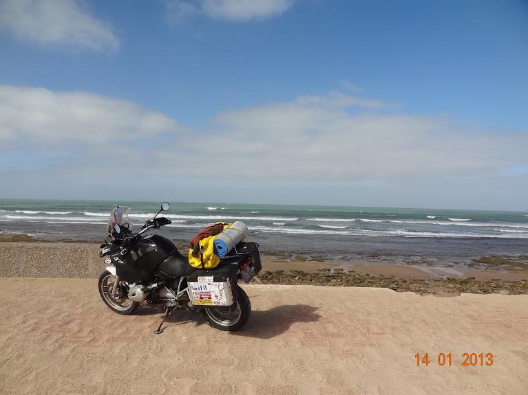 Marrocos e Mauritãnia a Queimar Pneu e Gasolina - Página 5 DSC05812