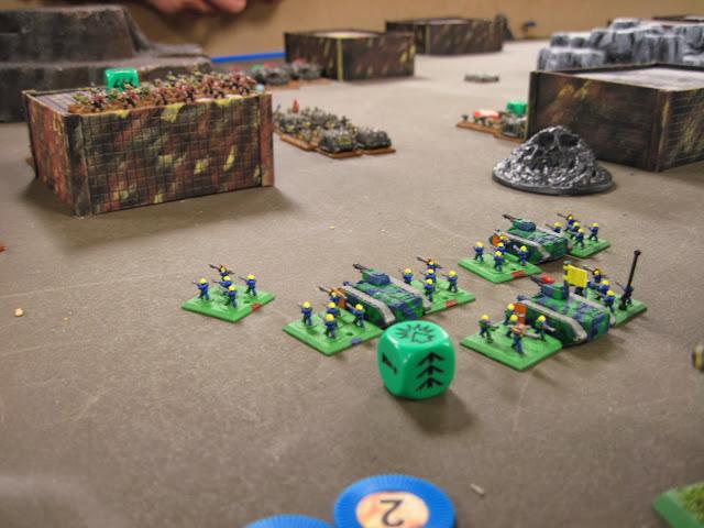 Skitaari hold the line against Marines with Obliterators.