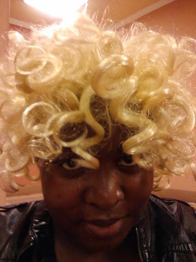 dara adeeyo wearing a wig