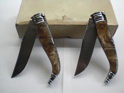 Navaja de estaje con cachas de nacarina de concha, lentejuelas doradas y cuchilla y muelle grabados