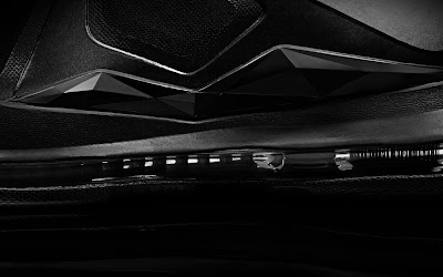 nike lebron 10 gr black anthracite 7 04 Release Reminder: Nike LeBron X Carbon / Black Diamond