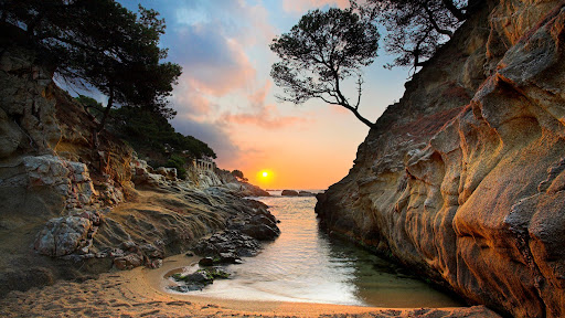 Costa Brava at Sunrise, Spain.jpg