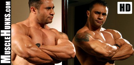 Hot Hunks Bodybuilders HD Videos