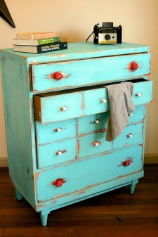 More Distressed Furniture Ideas &