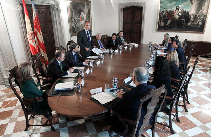 Camps agradece a los miembros del Consell su labor para que la Comunitat sea hoy motor en España y su defensa de los intereses de los valencianos