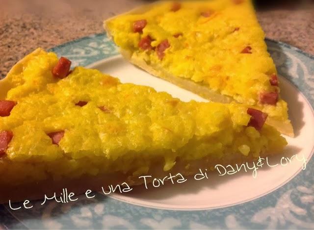 torta rustica con pasta briseè alla ricotta, farcita con risotto, prosciutto cotto e mozzarella