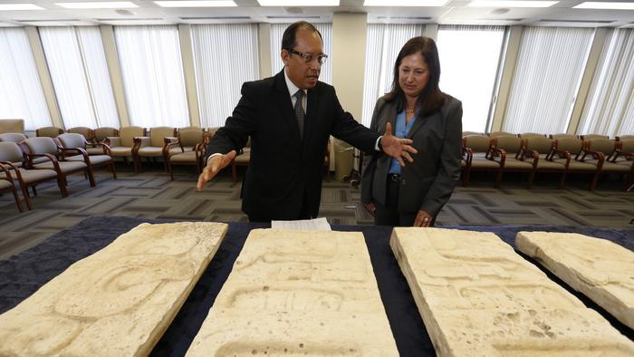 Heritage: FBI returns Mayan artefacts to Guatemala