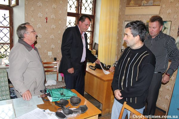 На засіданні комісії М.Кучинко, О.Златогорський, С.Терський, П.Рудецький