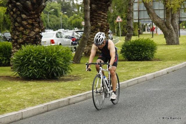 Concentrado na bicicleta