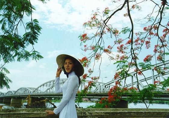 thơ tình xứ Huế
