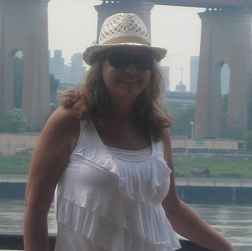 Debbie Hubbard Photo 20