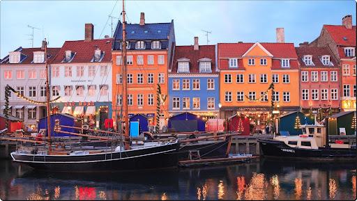 Christmas in Nyhavn, Copenhagen.jpg