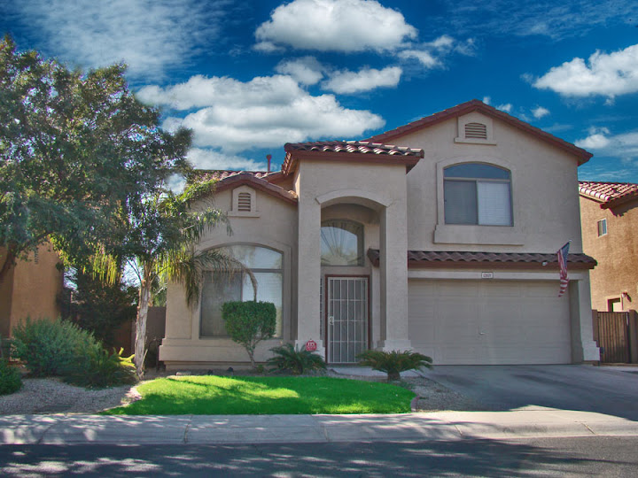 pictures of 3 bedroom homes in Litchfield Park
