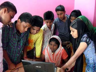 image of students searching of kerala plus two 2013 say results