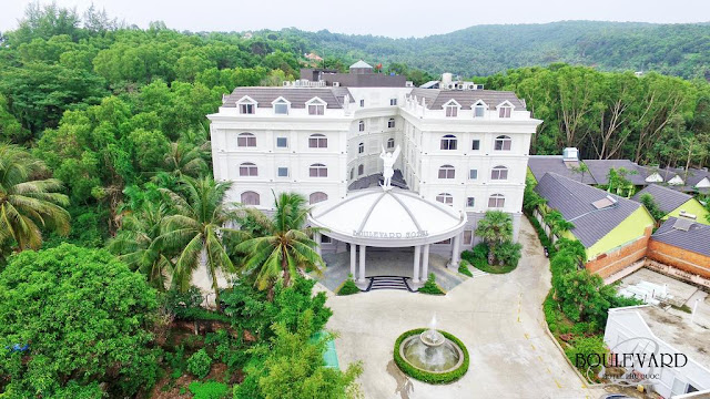 Khách sạn Boulevard Phú Quốc tuyển dụng tháng 10/2017