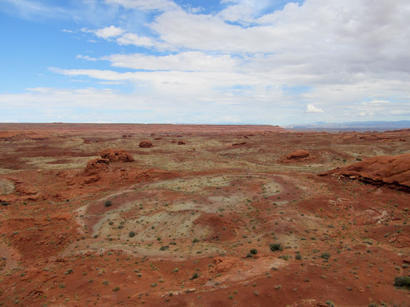 View over Moonshine Wash toward Gruver's Mesa title=